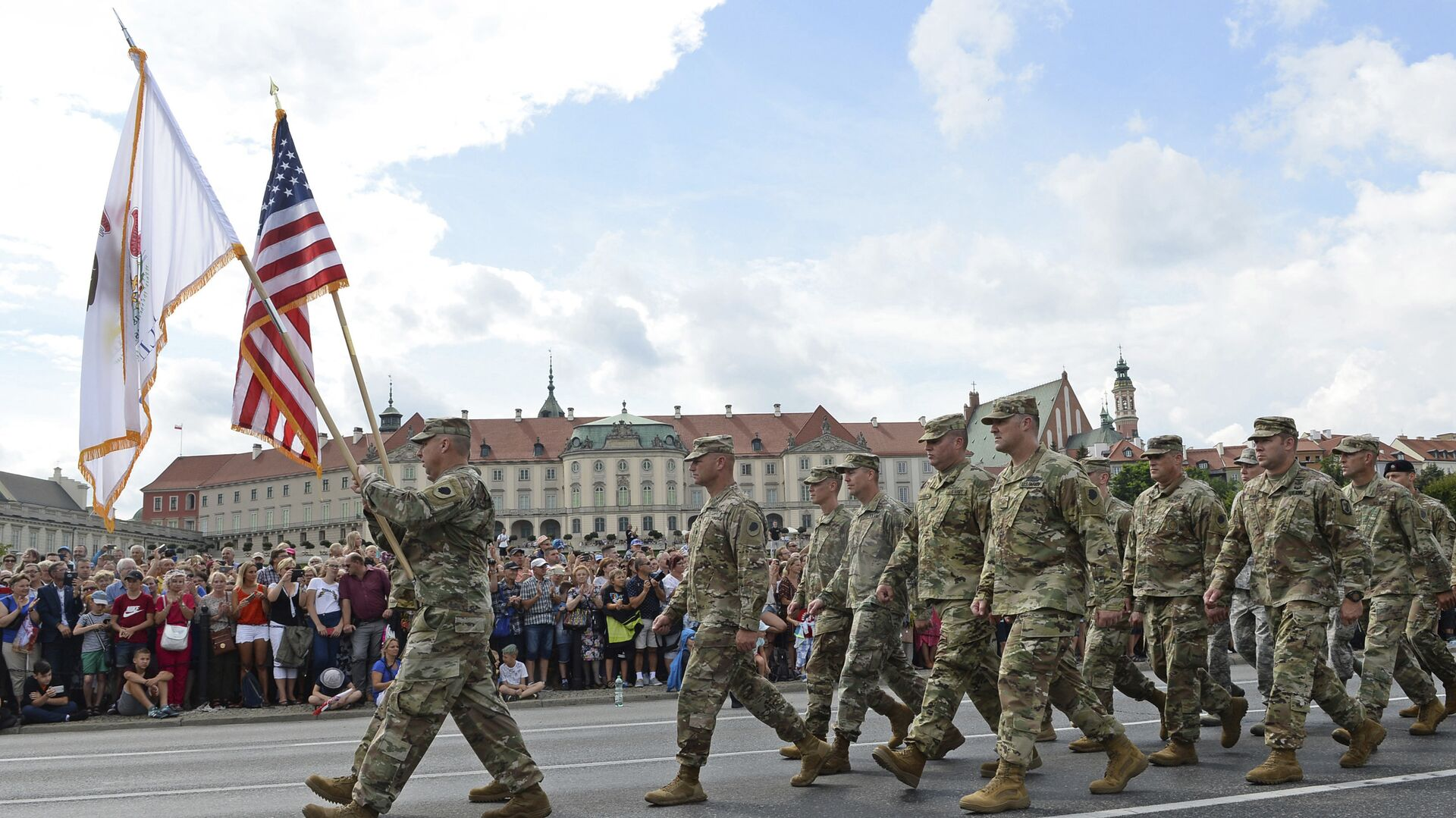 US Army soldiers take part in an annual military parade celebrating Polish Army Day in Warsaw, Poland - Sputnik Italia, 1920, 30.05.2021