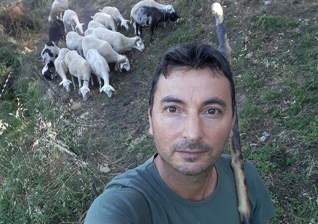 Nunzio Mogavero, operaio forestale che ha salvato 4 bambini da un incendio