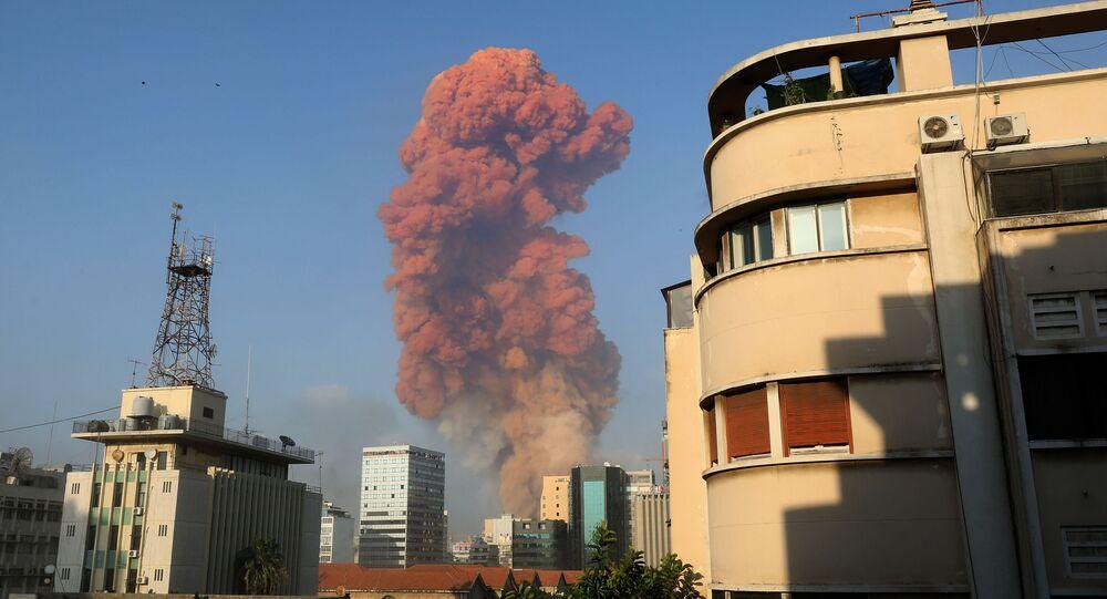 Beirut, esplosioni nel centro della città: decine di feriti