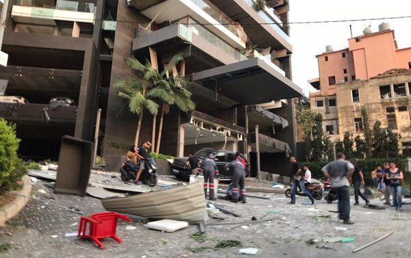 Nelle strade di Beirut dopo l'esplosione - Sputnik Italia