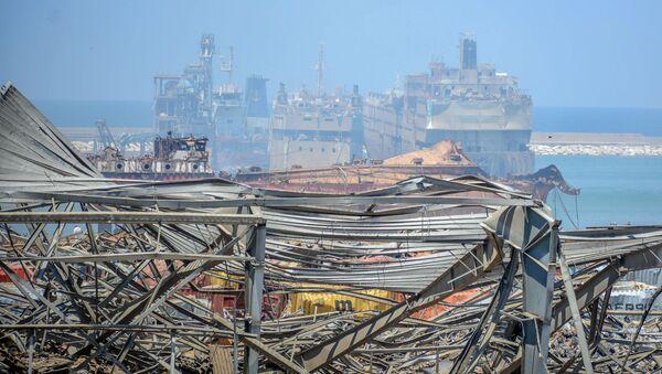 Porto di Beirut dopo l'esplosione - Sputnik Italia