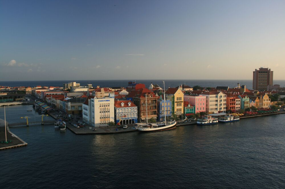 Una vista di  Willemstad, Curaçao.