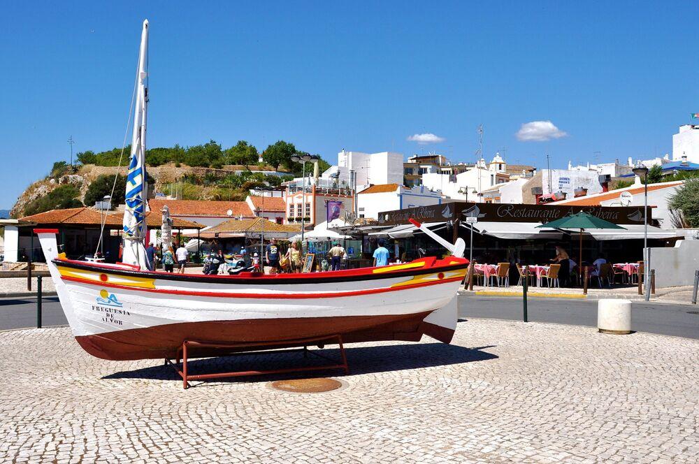 Una vista di Alvor in Portogallo.