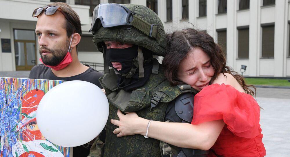 Bielorussia, folla alla