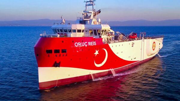 La nave turca 'Oruc Reis' - Sputnik Italia