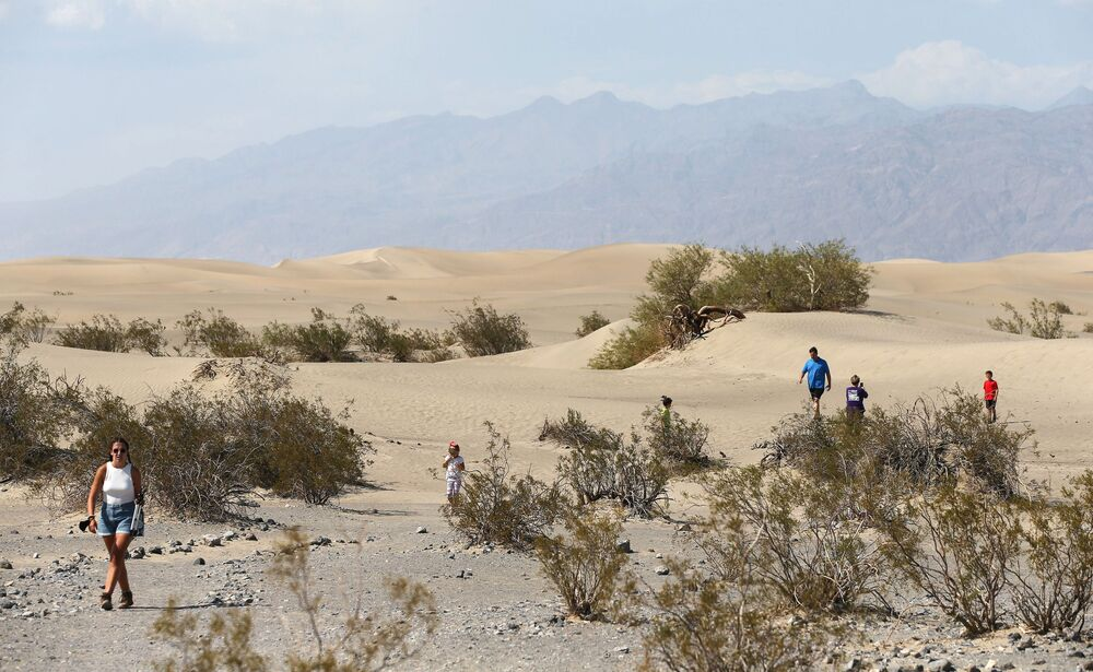 I visitatori del parco nazionale della Valle della Morte, USA.