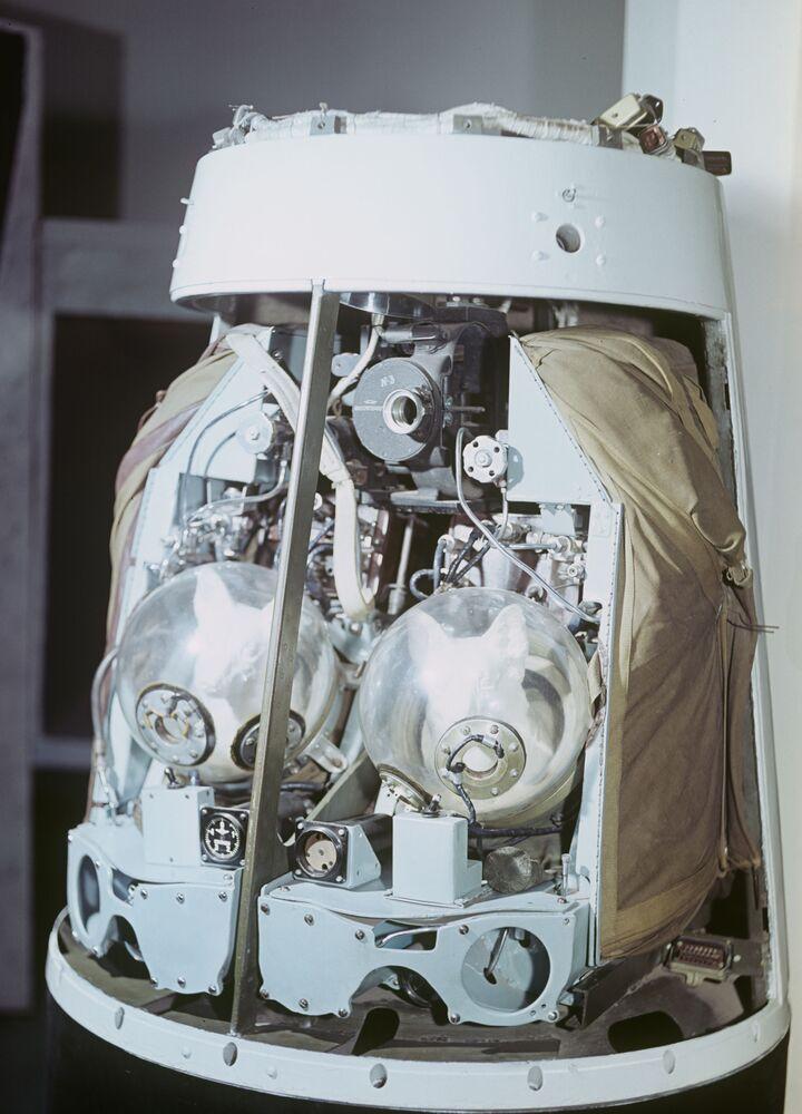 Il modello del contenitore catapultabile della seconda navicella spaziale sovietica lanciata nell'orbita il 19 agosto 1960 con a bordo i cani Belka e Strelka.