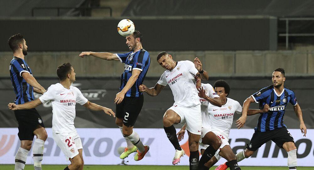 Il gol di Godin in Siviglia-Inter