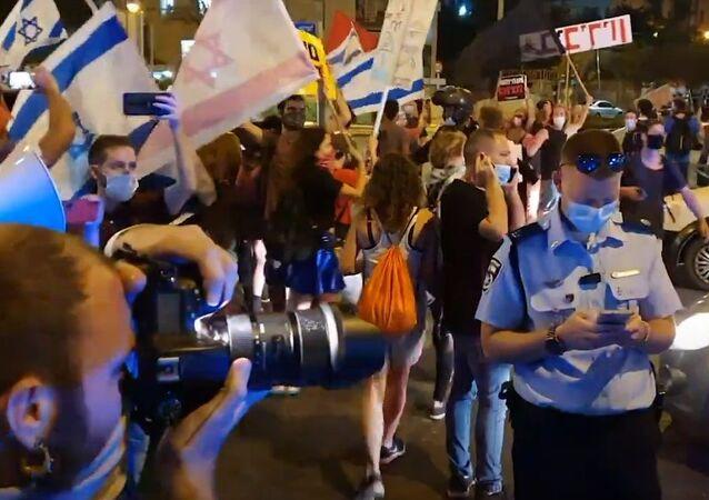 Israele, protesta violenta contro Benjamin Netanyahu