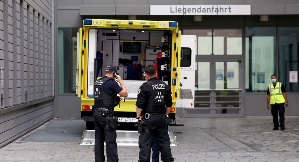 L'ambulanza che ha trsportato Navalny alla clinica berlinese Charite