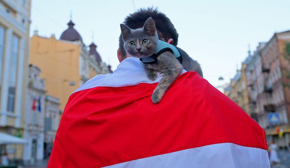 Una manifestazione in sostegno all'opposizione bielorussa a Kiev.