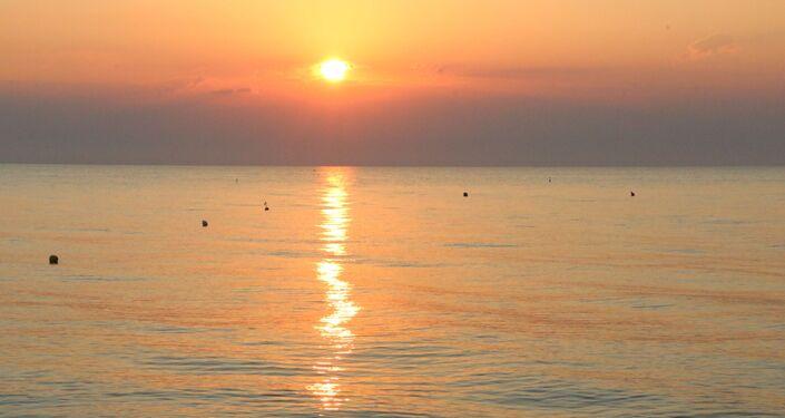 Il tramonto al mare