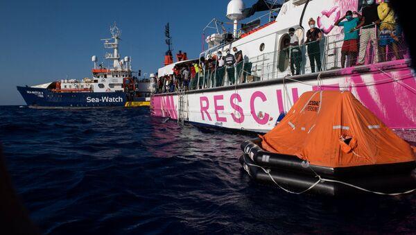 La nave Sea-Watch 4 - Sputnik Italia