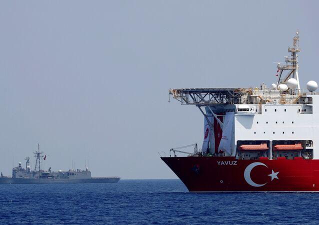 Nave turca nel Mediterraneo