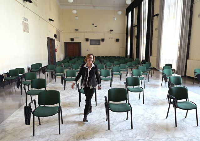 La direttrice della scuola di Giulio Cesare a Roma, Italia