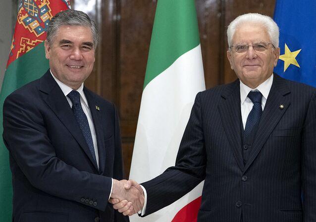 Il Presidente Sergio Mattarella con il Presidente del Turkmenistan, Gurbanguly Berdimuhamedov, in visita ufficiale (foto d'archivio)