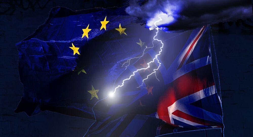 Sterlina in calo su rischio Brexit senza accordo dopo parole di Johnson