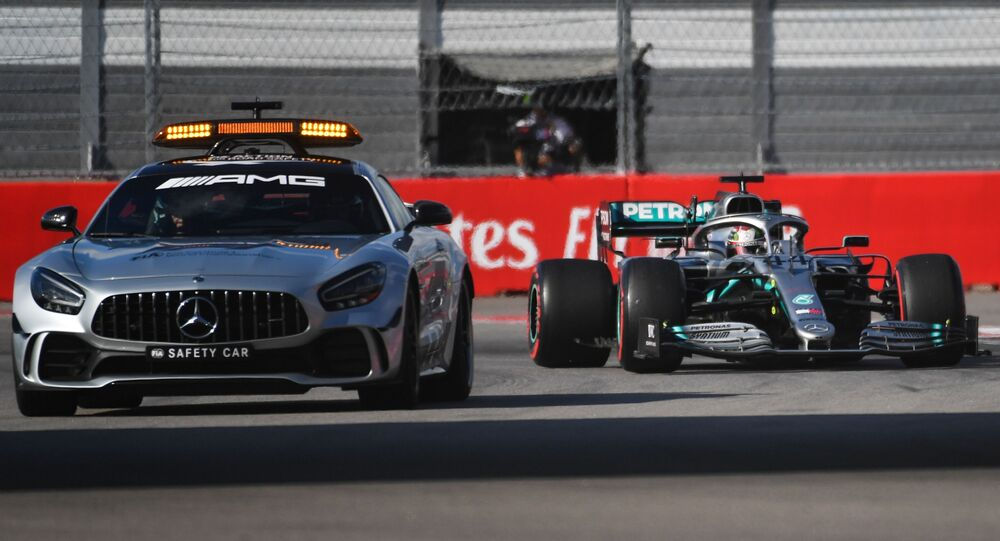 Perché Lewis Hamilton non rinnova con la Mercedes: cosa può succedere