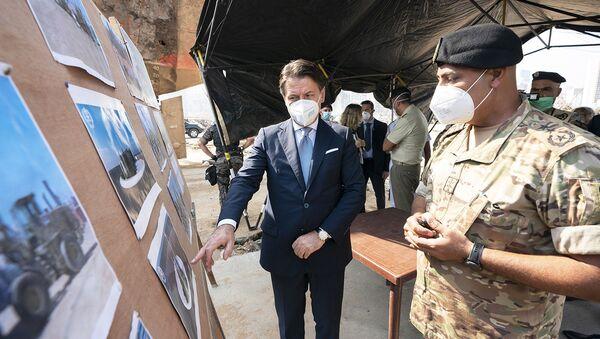 Il Presidente del Consiglio, Giuseppe Conte, ha visitato l'area del porto di Beirut devastata dall'esplosione del 4 agosto - Sputnik Italia