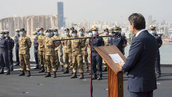 Il Presidente del Consiglio, Giuseppe Conte, sul molo della Nave San Giusto della Marina Militare, a Beirut - Sputnik Italia