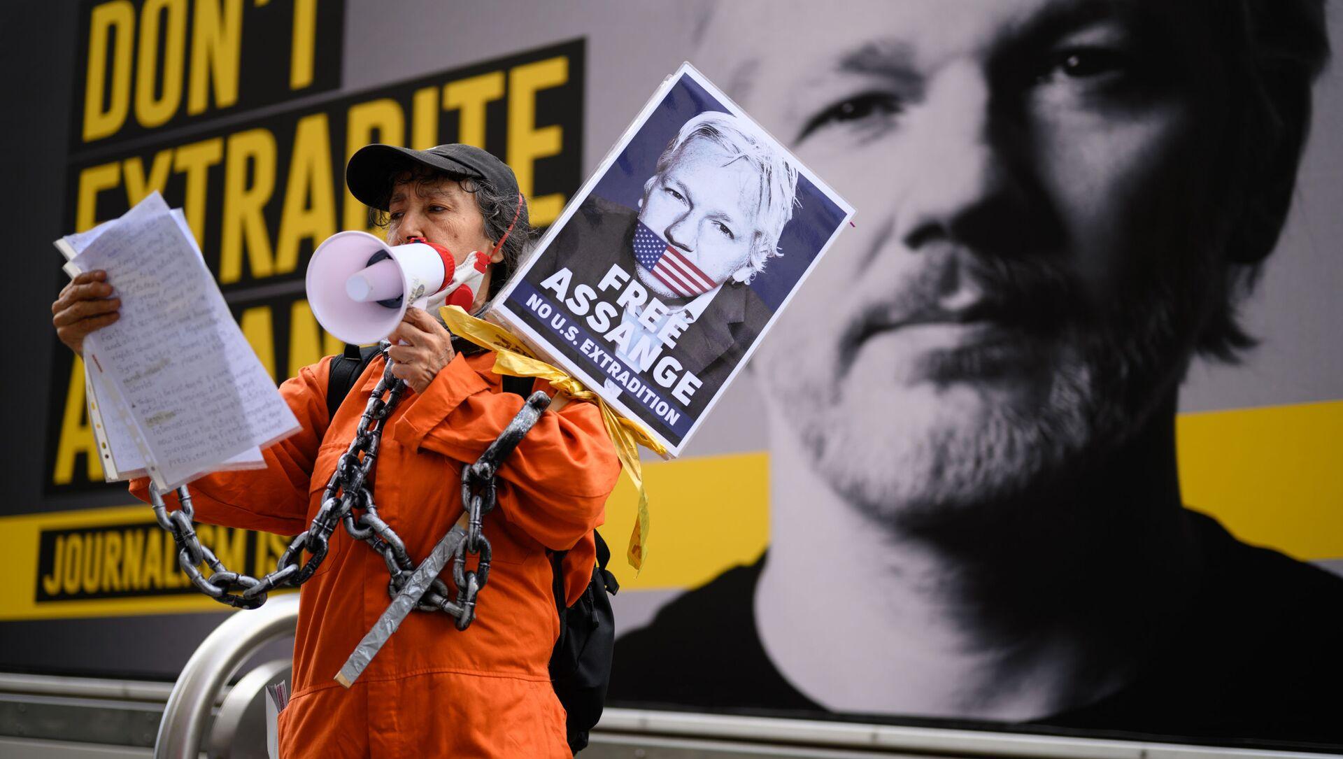 Sostenitori di Assange - Sputnik Italia, 1920, 03.05.2021