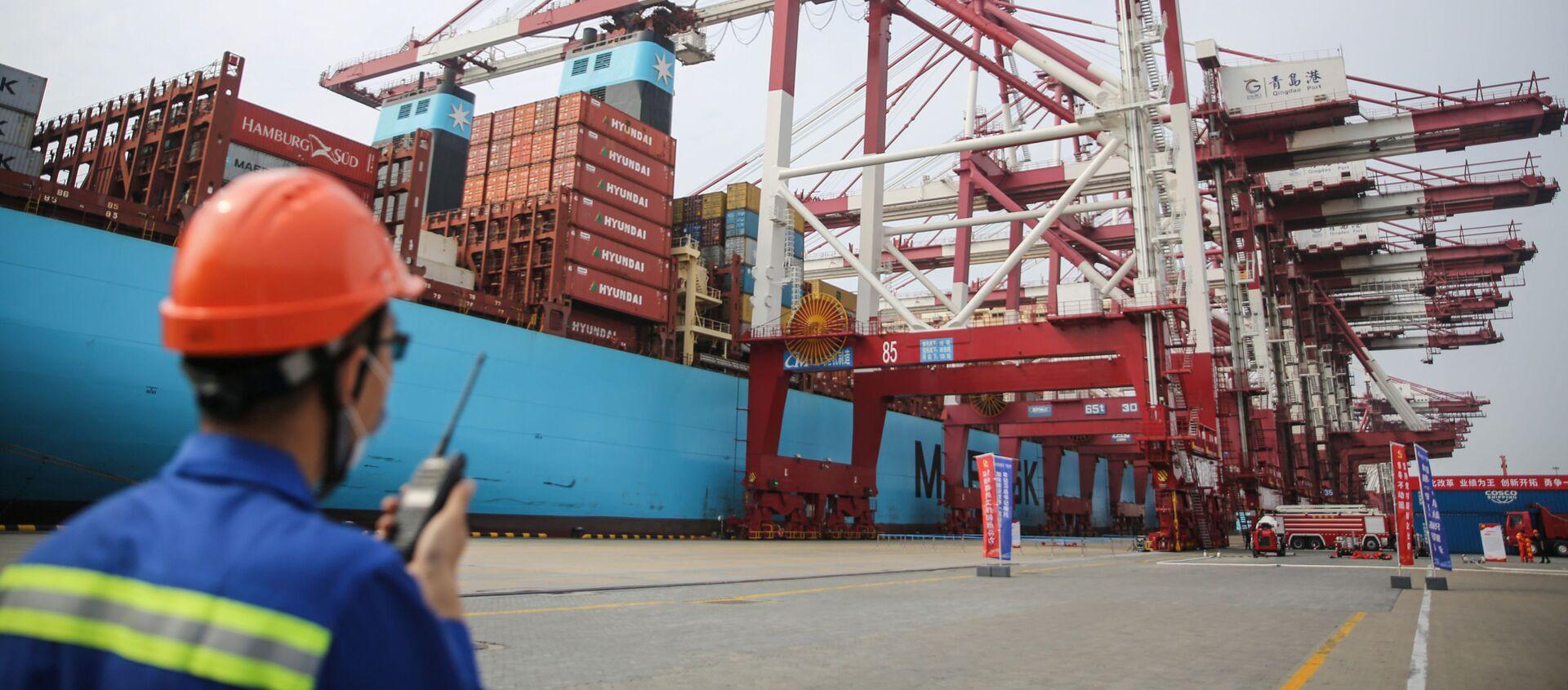 Porto commerciale a Tsingtao, in Cina - Sputnik Italia, 1920, 13.09.2020