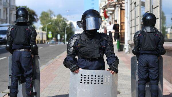 Le forze dell'ordine a Minsk - Sputnik Italia