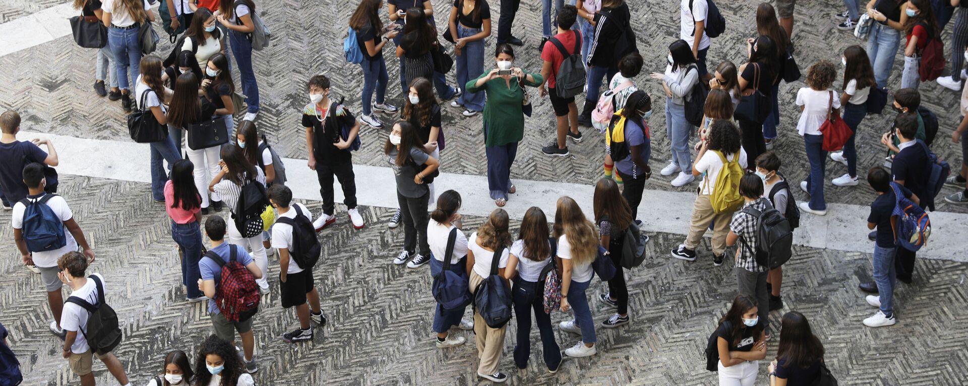 Studenti con mascherine - Sputnik Italia, 1920, 12.02.2021