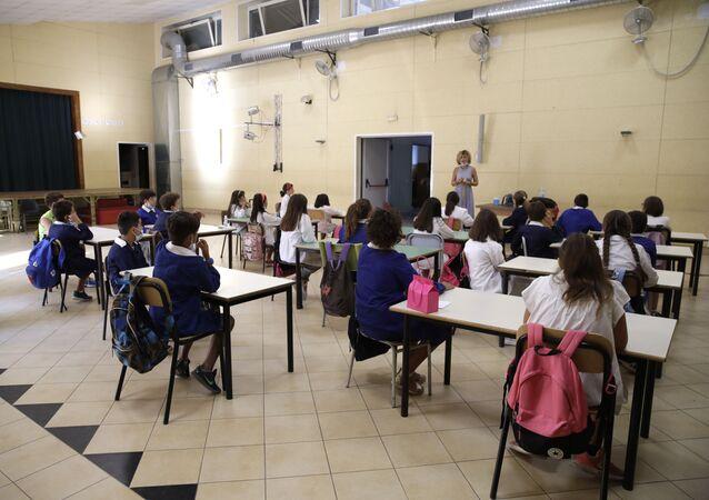 Lezione in una delle scuole a Roma dopo la riapertura, Italia