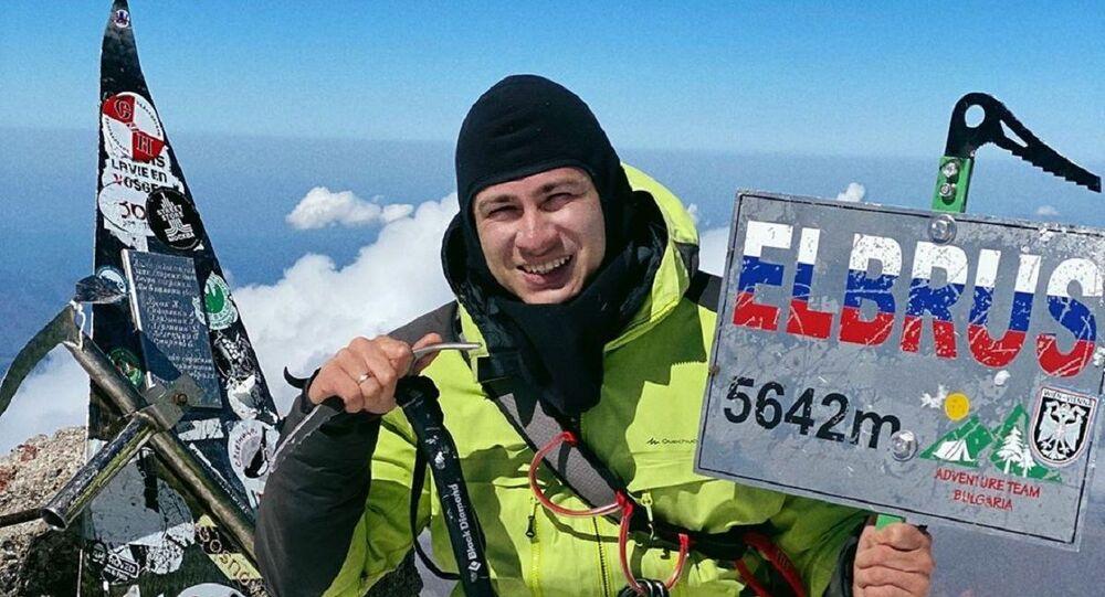 Rustam Nabiev in cima al monte Elbrus