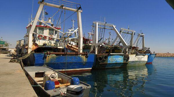Pescherecci nel porto di Bengasi, Libia - Sputnik Italia