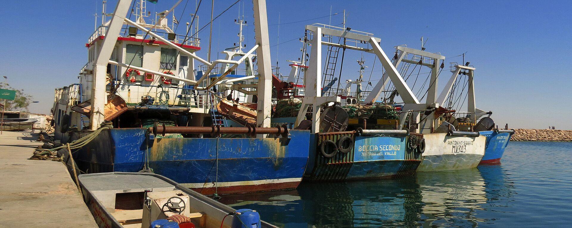 Pescherecci nel porto di Bengasi, Libia - Sputnik Italia, 1920, 05.05.2021