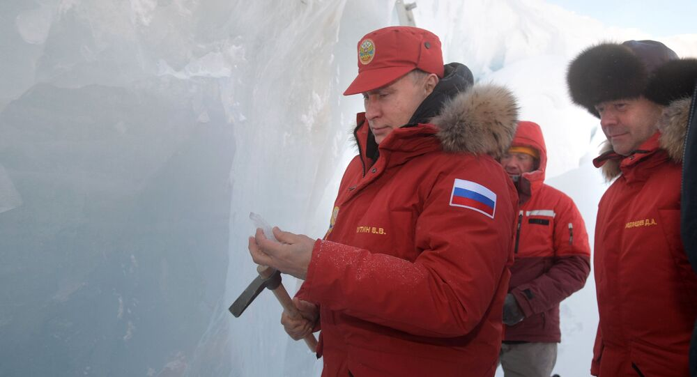 Vladimir Putin visita la Terra di Francesco Giuseppe