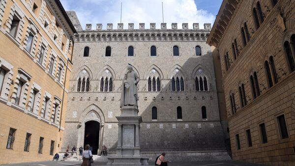 Piazza Salimbeni, Palazzo del Monte dei Paschi di Siena - Sputnik Italia