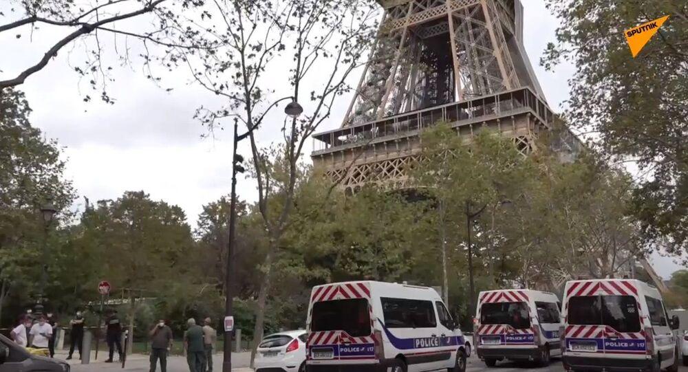 Evacuata la Tour Eiffel: allarme bomba