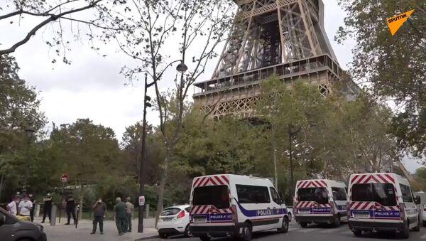 Evacuata la Tour Eiffel: allarme bomba - Sputnik Italia