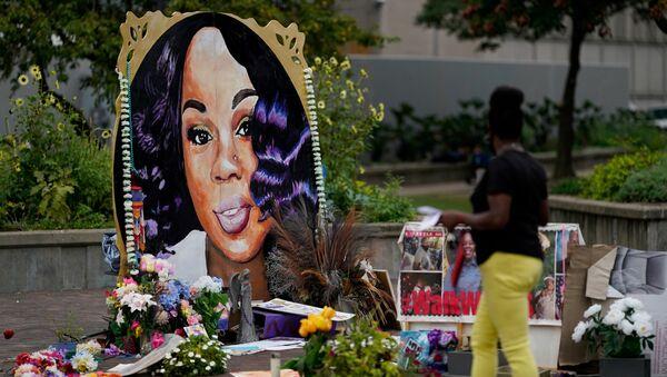 Memoriale per Breonna Taylor a Louisville, Kentucky - Sputnik Italia