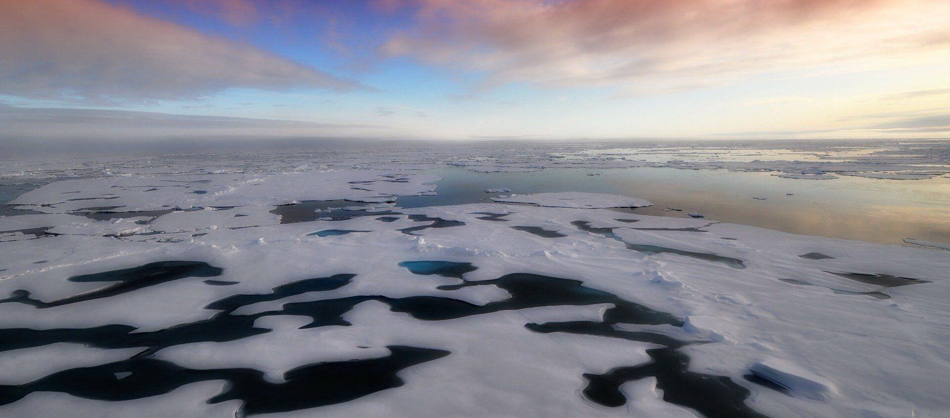 L'Artico si scioglie: persi due terzi del spessore ghiacciale negli ultimi 60 anni - Sputnik Italia, 1920, 15.10.2020