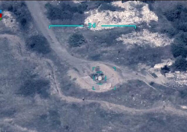 Militari azeri prendono di mira un obiettivo armeno