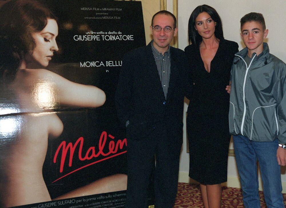 Il regista italiano Giuseppe Tornatore, l'attrice Monica Bellucci e Giuseppe Sulfaro durante la presentazione del film Malena
