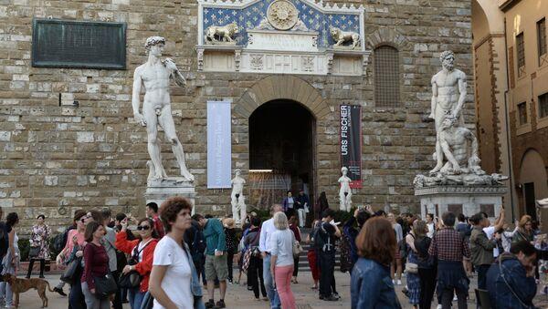 All'ingresso del Museo di Palazzo Vecchio a Firenze. - Sputnik Italia