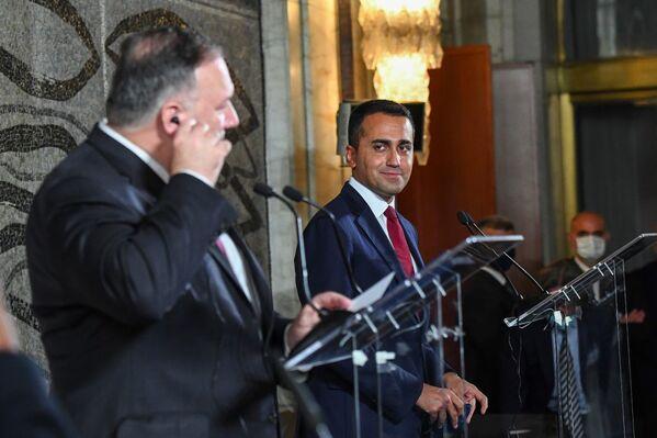 Incontro del Ministro Luigi Di Maio con il Segretario di Stato statunitense Michael Pompeo - Sputnik Italia