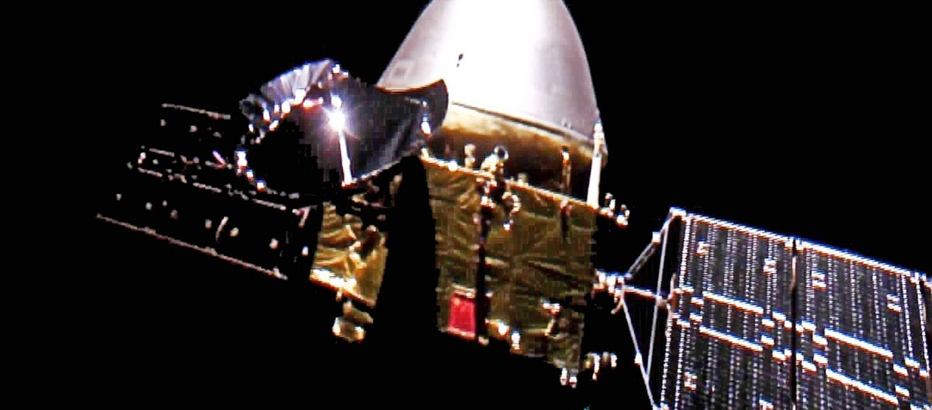 Giovedì la  China National Space Administration ha pubblicato le immagini della sua prima sonda marziana, Tianwen-1, che sono state realizzate dalla stessa navicella in rotta verso il Pianeta Rosso. - Sputnik Italia, 1920, 01.10.2020