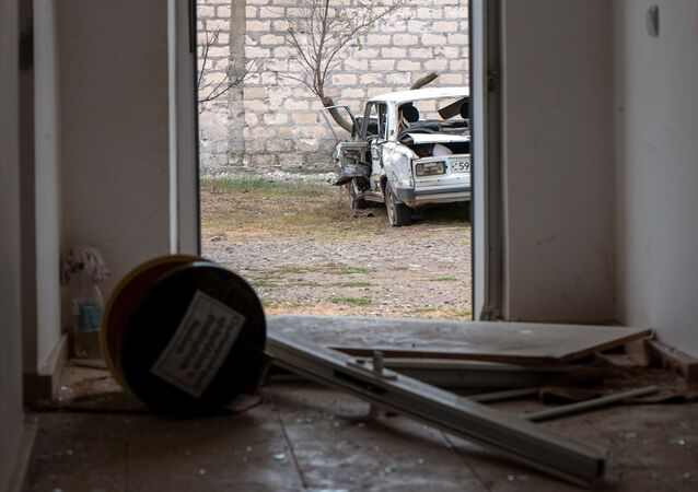 Le distruzioni dopo gli scontri nella zona di conflitto di Nagorno-Karabakh