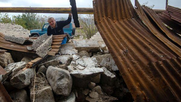 Le distruzioni dopo gli scontri nella zona di conflitto di Nagorno-Karabakh   - Sputnik Italia