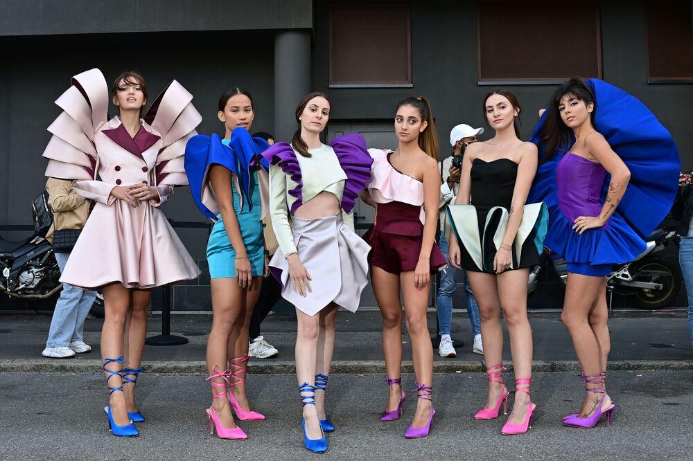 Una nuova collezione della stilista Nora Bourelly presentata durante la Milano Fashion Week il 27 settembre 2020