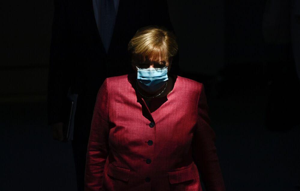 La cancelliera tedesca Angela Merkel arriva al Bundestag, il 30 settembre 2020