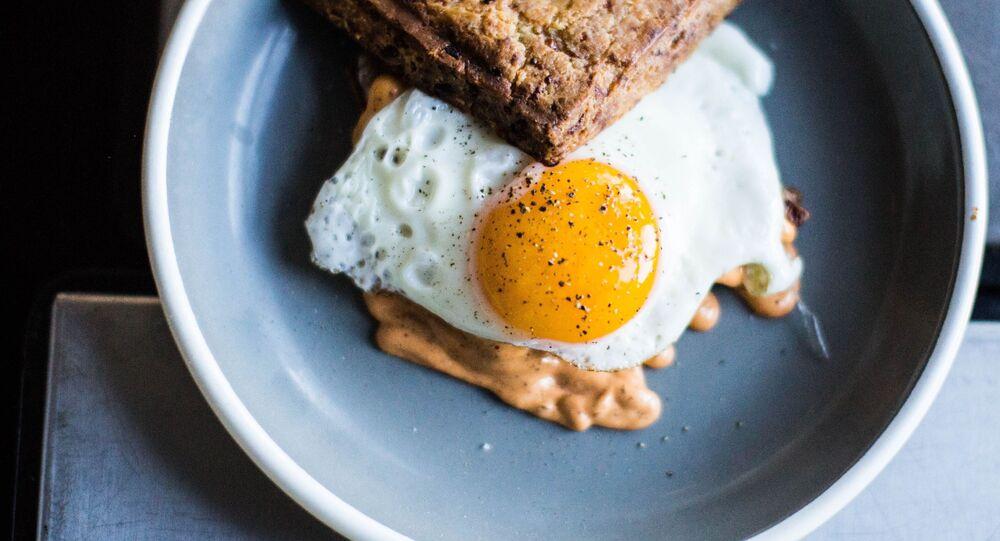 Uovo fritto (foto d'archivio)