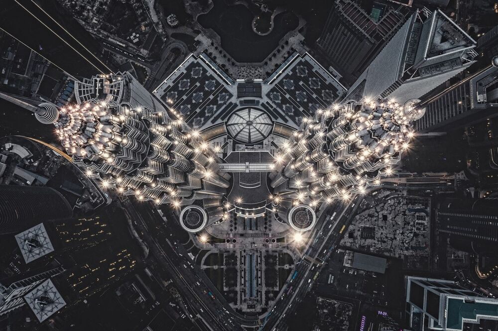 La foto Struttura aliena sulla Terra del fotografo Tomasz Kowalski che è stata vincitrice nella categoria Urban del concorso Drone Photo Awards 2020