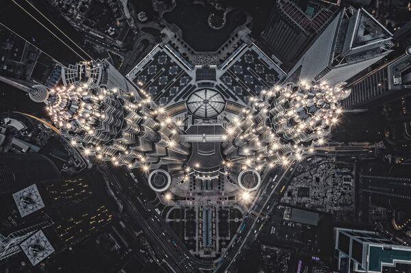 La foto Struttura aliena sulla Terra del fotografo Tomasz Kowalski che è stata vincitrice nella categoria Urban del concorso Drone Photo Awards 2020  - Sputnik Italia